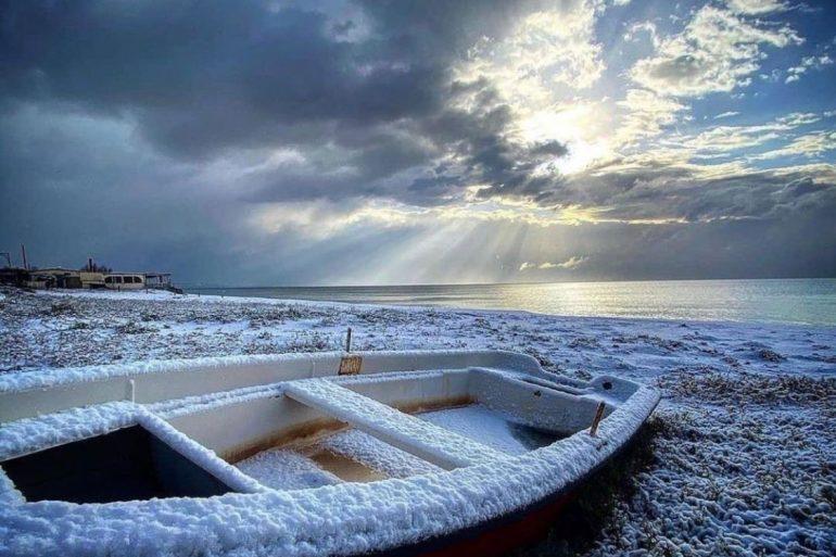 Le più belle immagini dello Snow Show storico della costa e Presila (neve show)