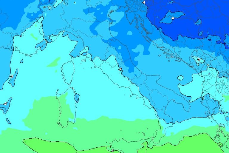 Impulso artico per giovedì: rischio neve su Valle del Crati, Cosenza e Presila Catanzarese (quota neve 500mt)